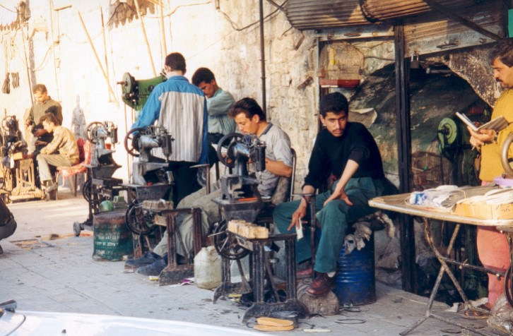 Schoenmakers in Aleppo