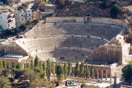 Amfitheater-in-Amman-_zoom_-_2_