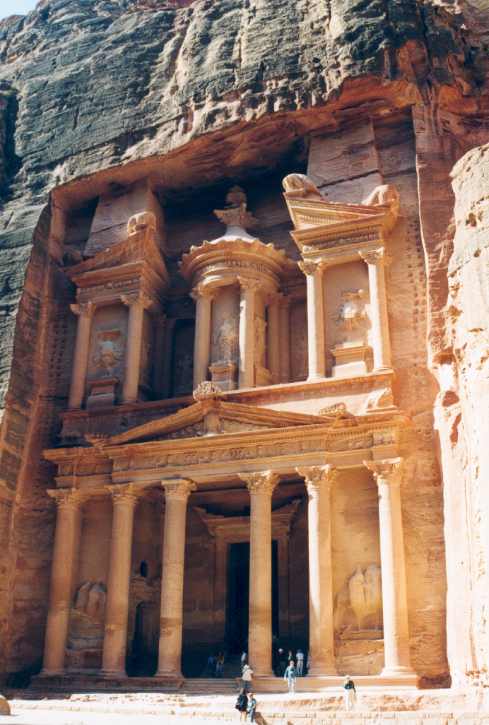 De-treasury-in-vol-ornaat-Jordanië